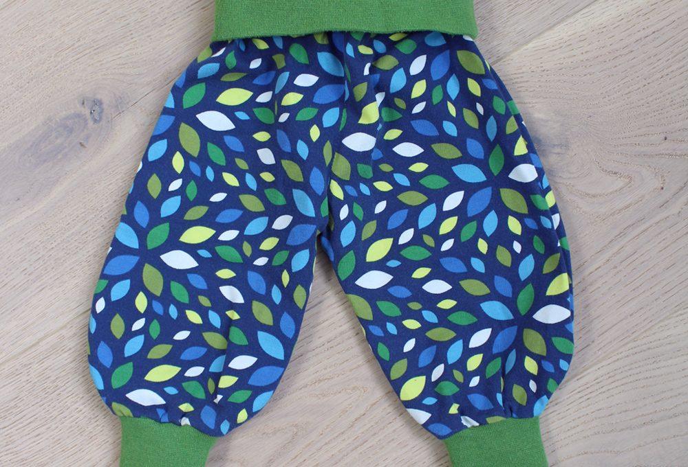 Erstlingsset - Nähen für Babys - Pumphose Frida 2.0