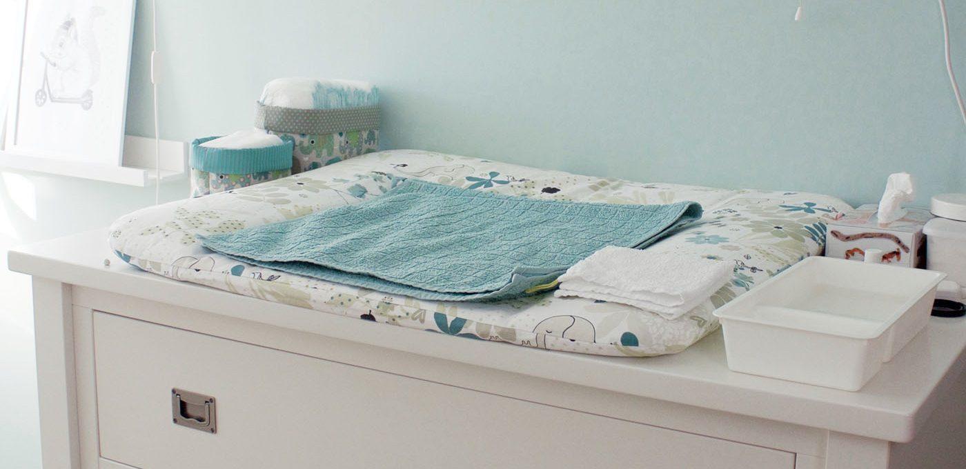 Babyzimmer Wickelkommode Kidsmill Shakery mit Meeres-Mobile