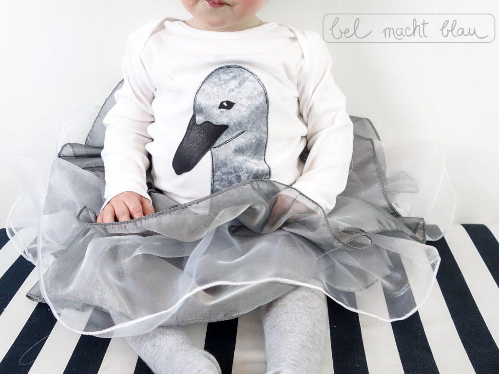 Faschingskostüm nähen: kleiner Schwan / Schwanenküken / Karnevalskostüm für Kleinkinder