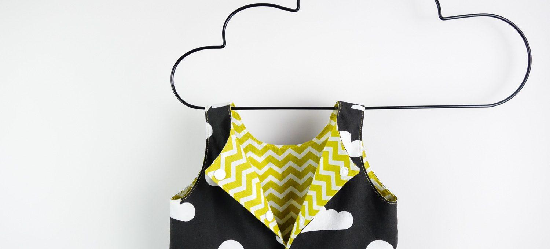 Ein Wolkenkleid für die Beerdigung - Mädchenkleid aus Wolkenstoff - Schnitt: Knoopkleed von groeny