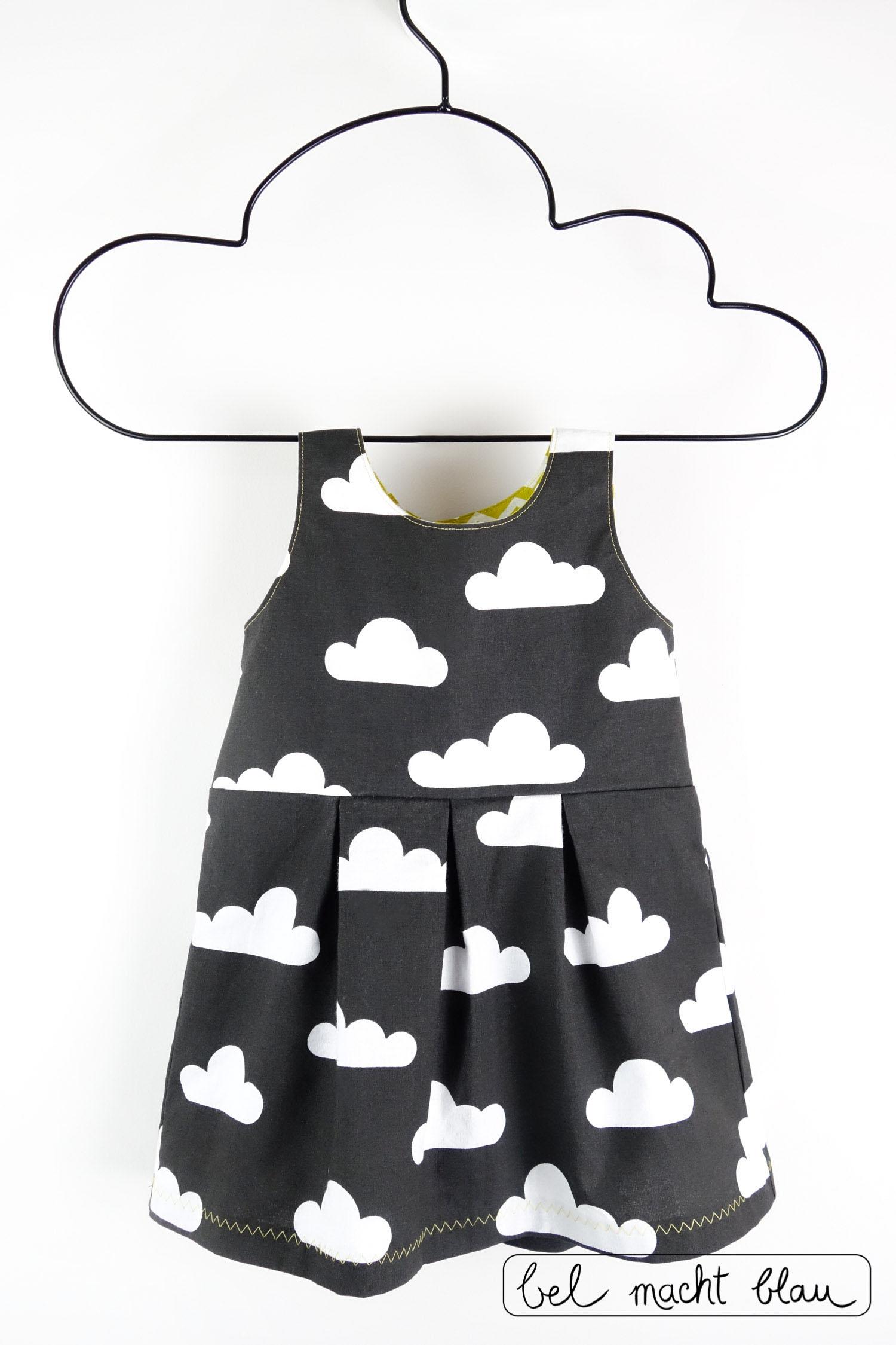 Ein Mädchenkleid für die Beerdigung - Schnitt: Knoopkleed von groeny - aus tollem Wolkenstoff