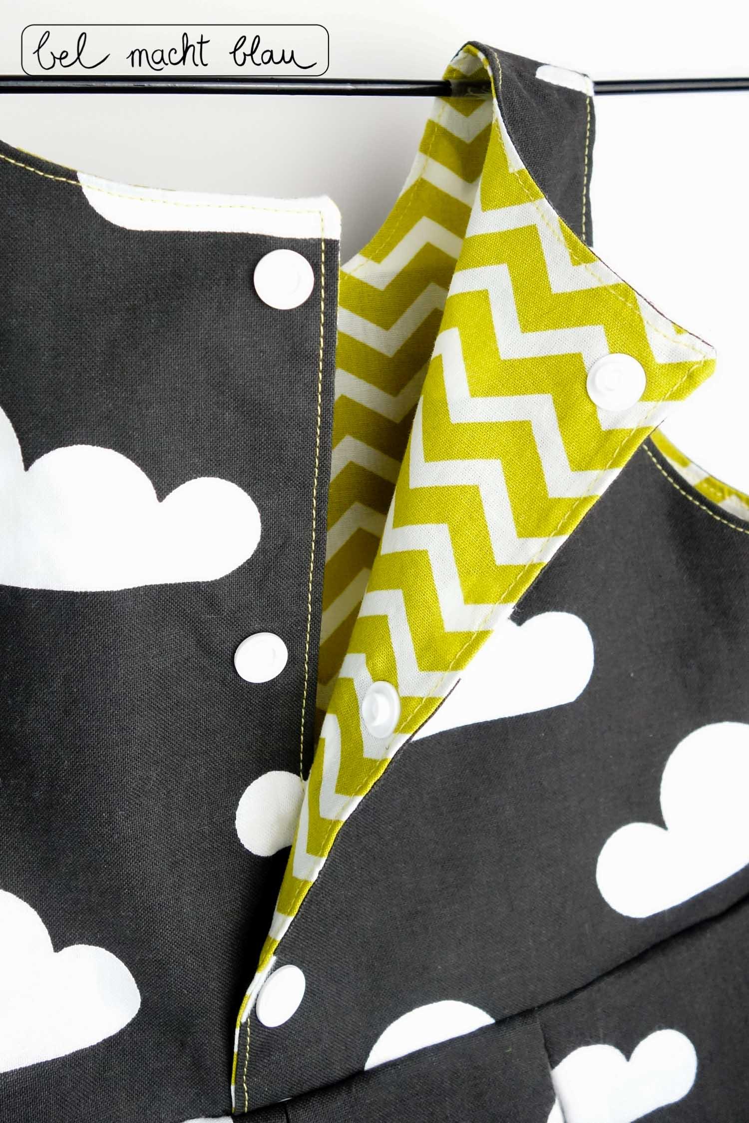 Ein Mädchenkleid für die Beerdigung - schwarzer Wolkenstoff und ockergelber Zickzack-Stoff in Kombination - Schnitt: Knoopkleed von groeny