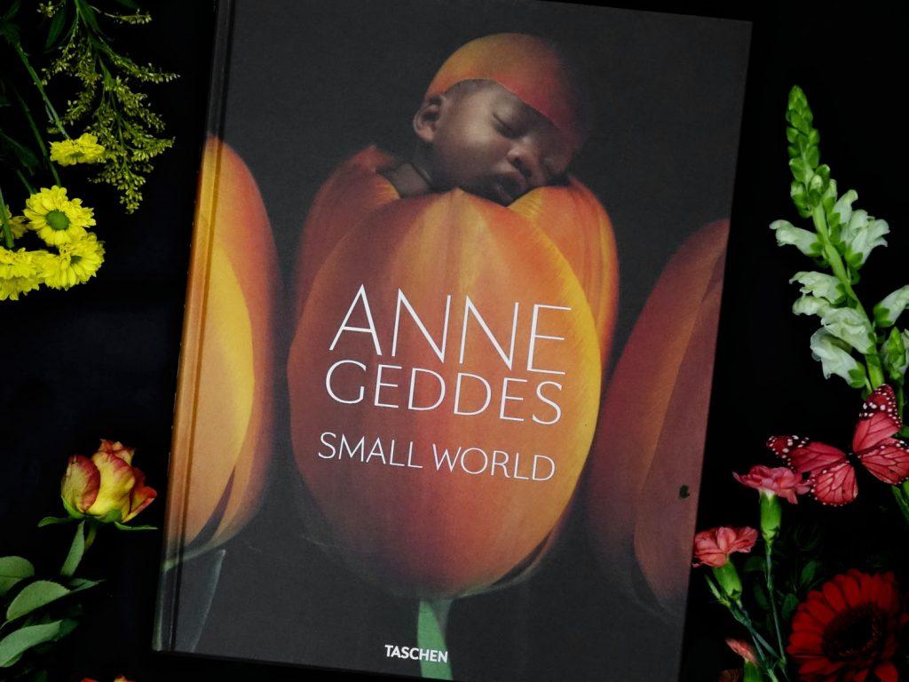 Anne Geddes - Small World // Buchtipp zum Muttertag // Babyfotografie // Flowerflatlay, Blumen