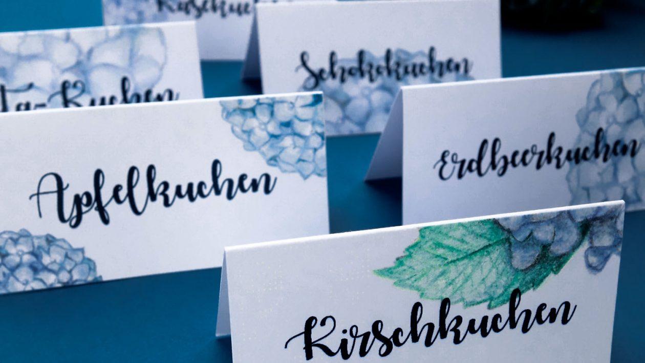 Hortensien-Tischkarten zum Ausdrucken // kostenloses Freebie // Printable //Hortensien-Hochzeitspapeterie für unsere DIY-Familienhochzeit