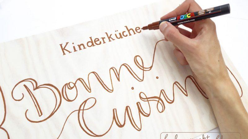 DIY-Anleitung: handbemalte Holzschilder für die Hochzeit (mit uni POSCA)