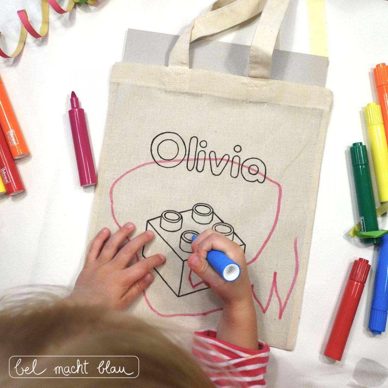 Selbstbemalte Jutebeutel / Mitgebseltüten - Ideen für einen Lego duplo Kindergeburtstag
